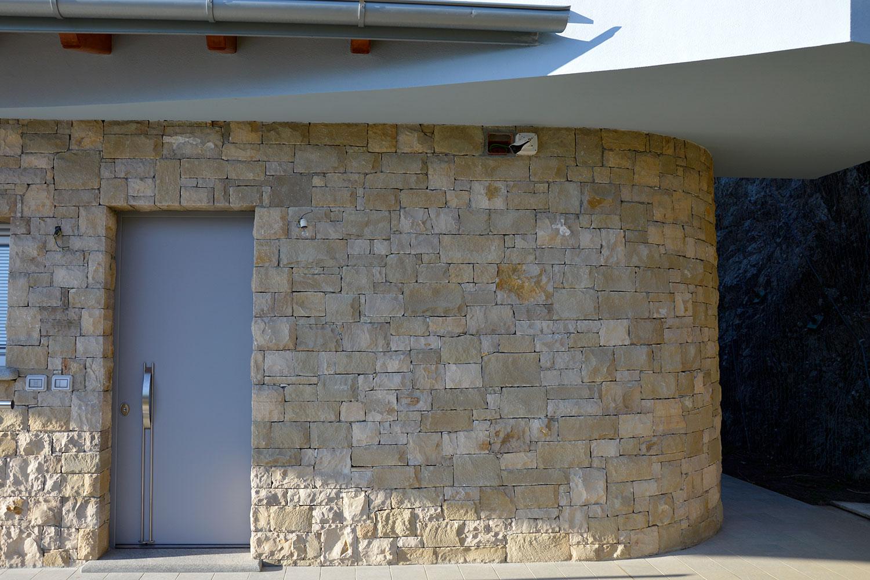 villa rivestimento incollato secco pietra credaro