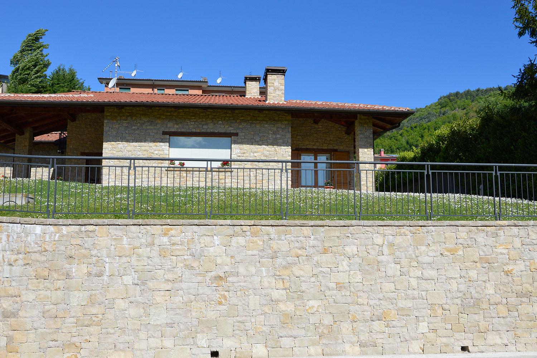 villa rivestimento ingresso muri contenimento incollato semisecco pietra credaro